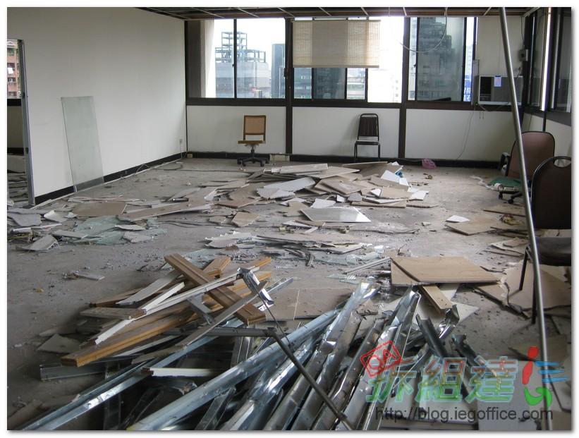 当然,也有专业建筑公司可以对一些承重墙拆除再通过植筋,粘钢等加固